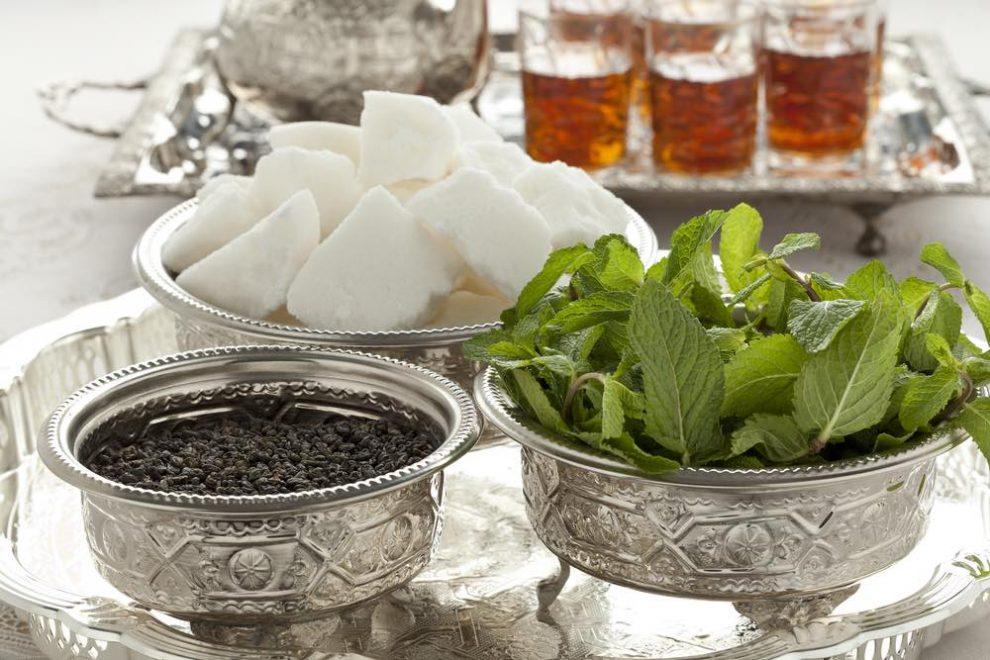 Moroccan-mint-tea-tray